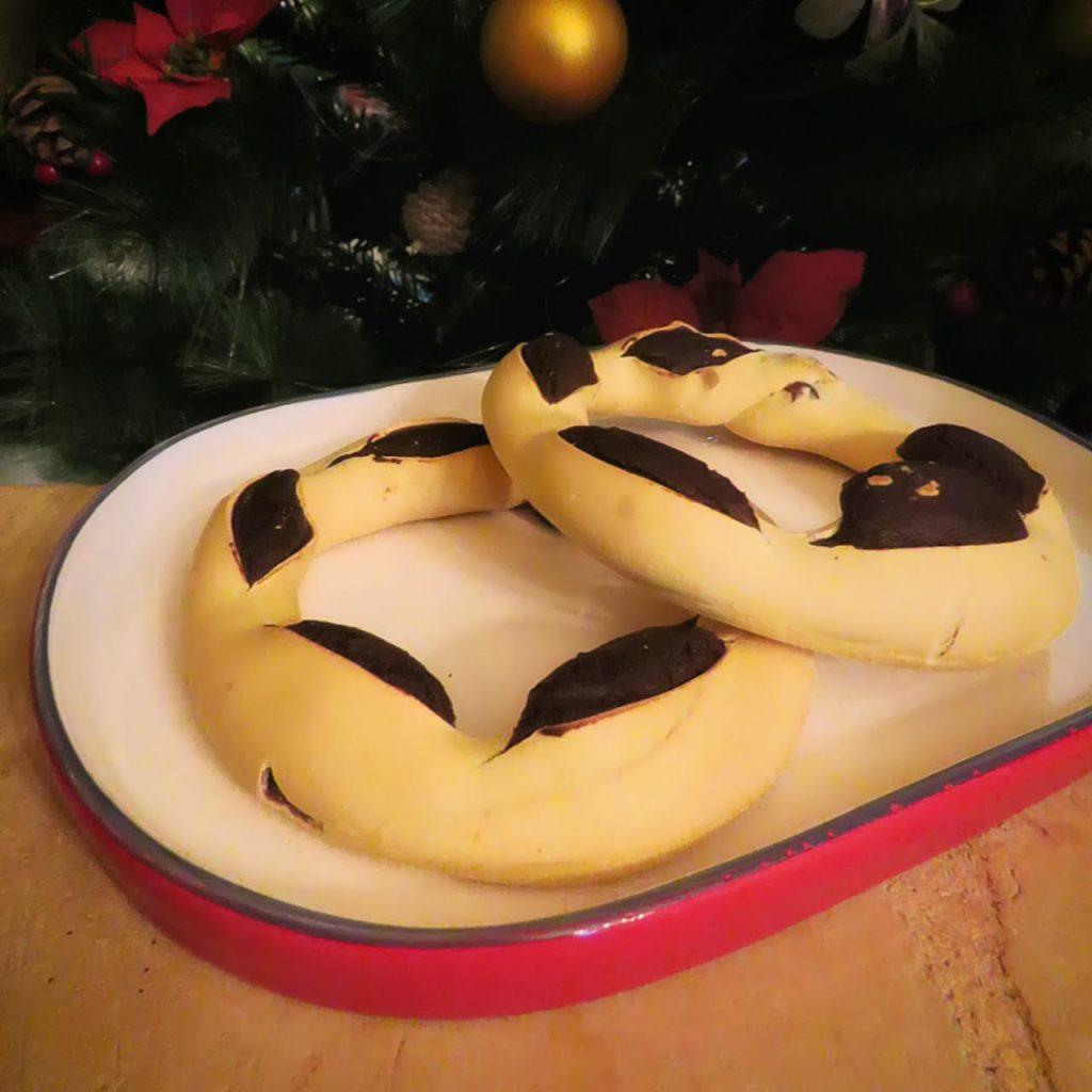 Christmas Treat, 'Qagħaq tal-Għasel'