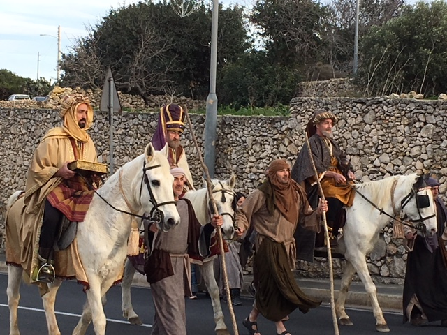 Wise men arriving on horseback at Bethlehem in Għajnsielem