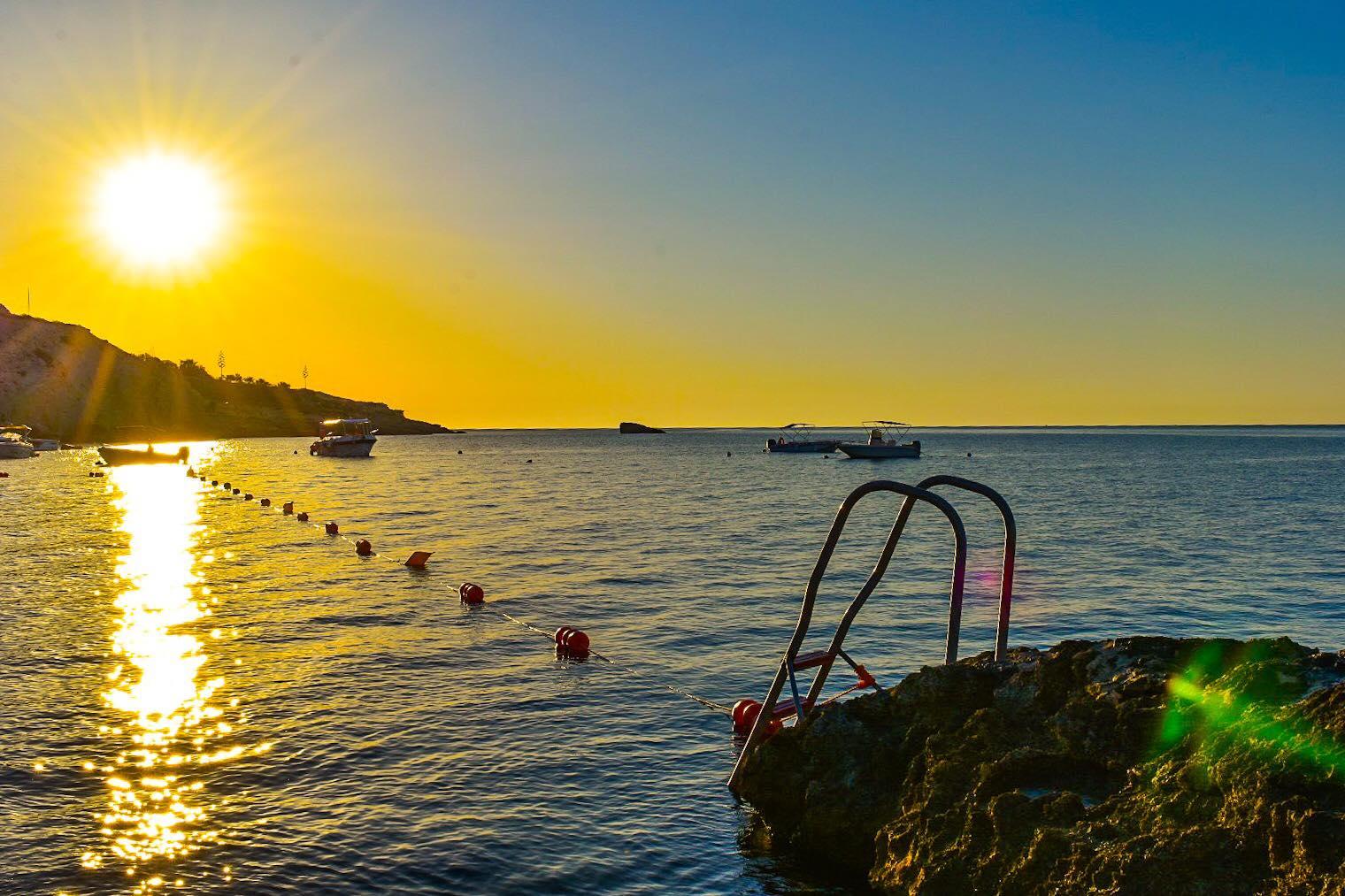 Hondoq Bay sun