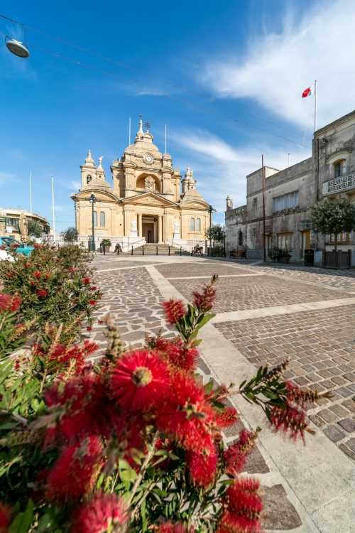 nadur square with flowers