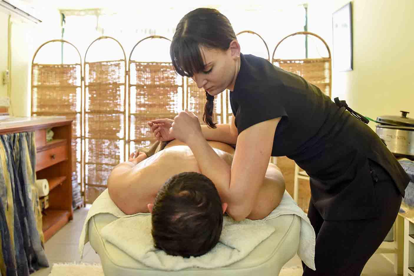 deep-tissue-massage2