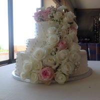george flowers on cake